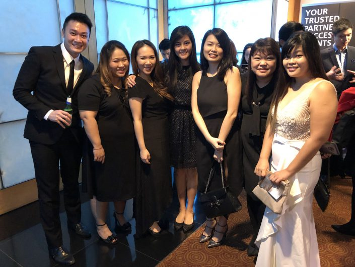 Black-tie-event-at-the-HR-Vendor-of-the-Year-Award-Alliance-Medinet-Team-705x529