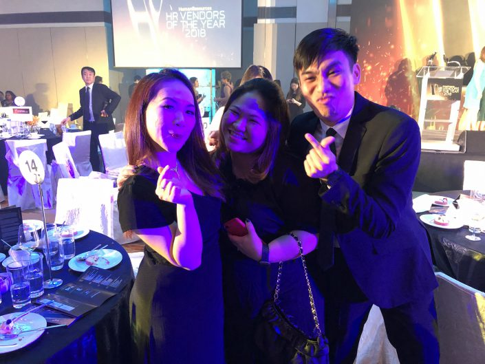 The-team-behind-employee-healthcare-and-medical-benefit-administration-celebrating-the-award-attainment-for-Best-Corporate-Healthcare-Provider-Bronze-705x529